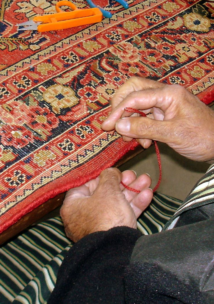 Binding the edge of rug
